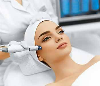 Conveniently located in La Mesa, CA, the Board-certified dermatologists at Grossmont Dermatology specialize in treating and rejuvenating the skin.